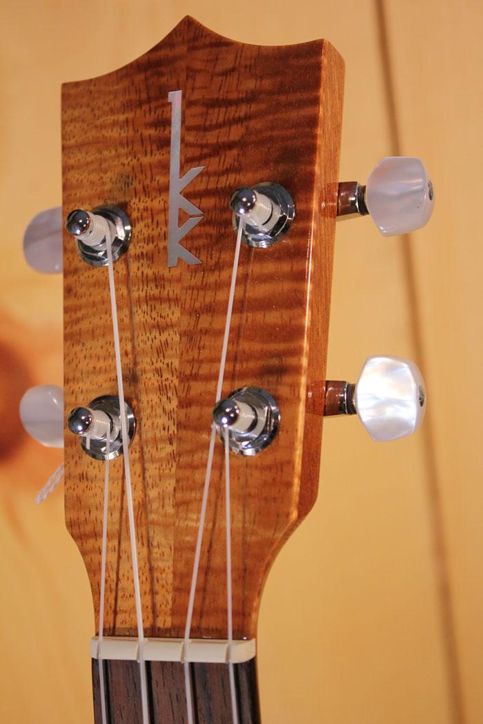 dating kamaka ukuleles on maui